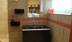 trinity-tile-stone-bathroom-pic1